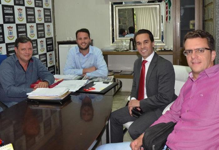 Delegado Regional em reunião com o prefeito e o vice prefeito