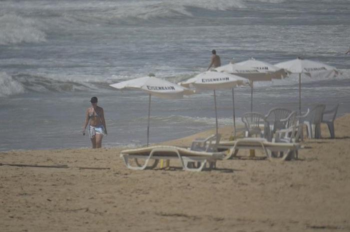 Regulamentado uso das faixas de areia nas praias de Itajaí