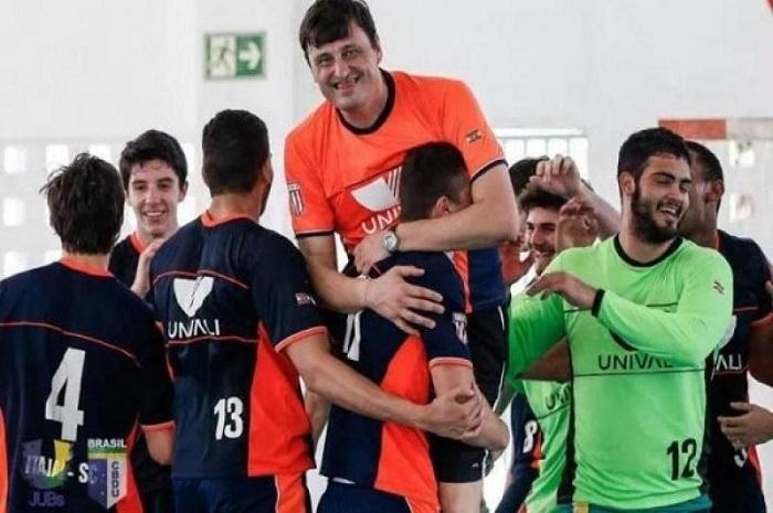 Atleta e técnico de Itajaí são convocados para Seleção Juvenil de handebol
