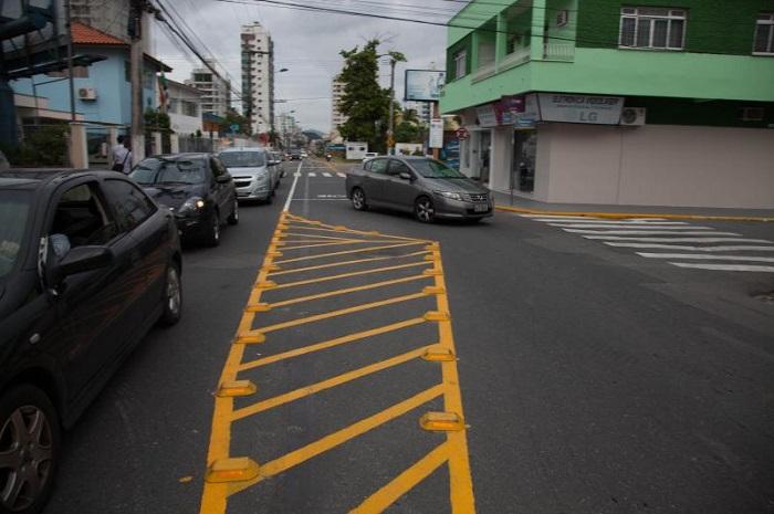 Codetran instala bolsão para diminuir congestionamento na Rua Brusque