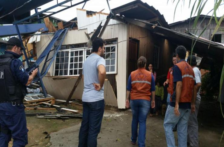 Itajaí decreta situação de emergência após passagem de ventos de até 110 km