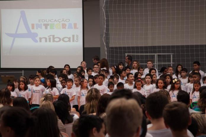 Itajaí implanta primeira escola em tempo integral