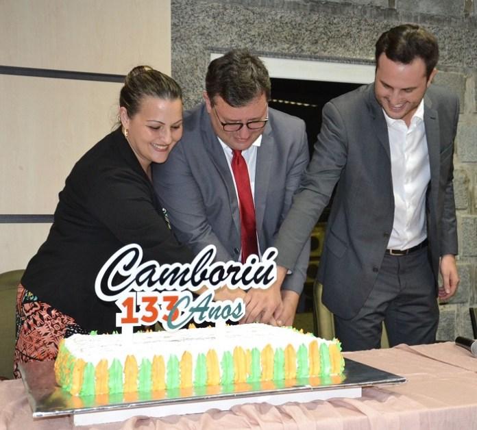 aniversario camboriu bolo
