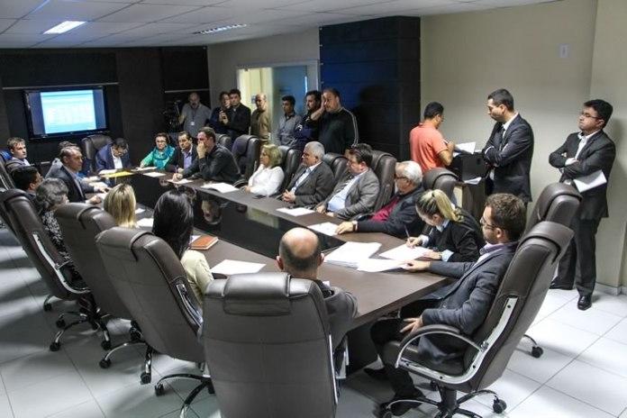 Vereadores se reúnem com Conselho Municipal de Saúde