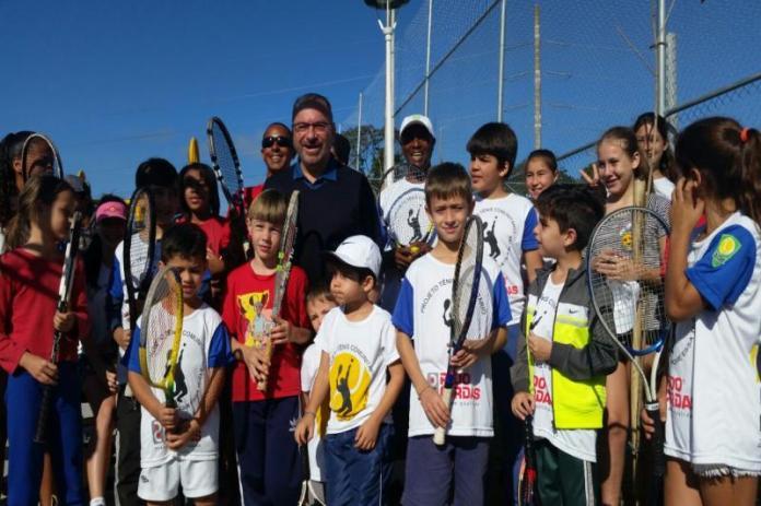 inauguração quadra de tenis