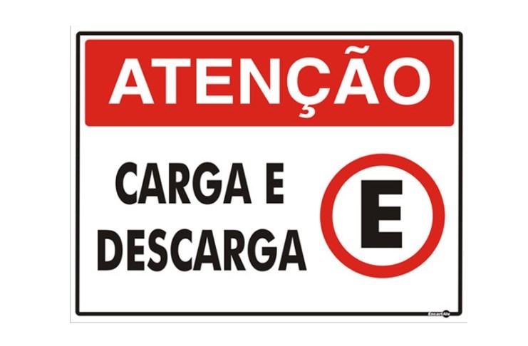 ATENÇÃO CARGA E DESCARGA placa