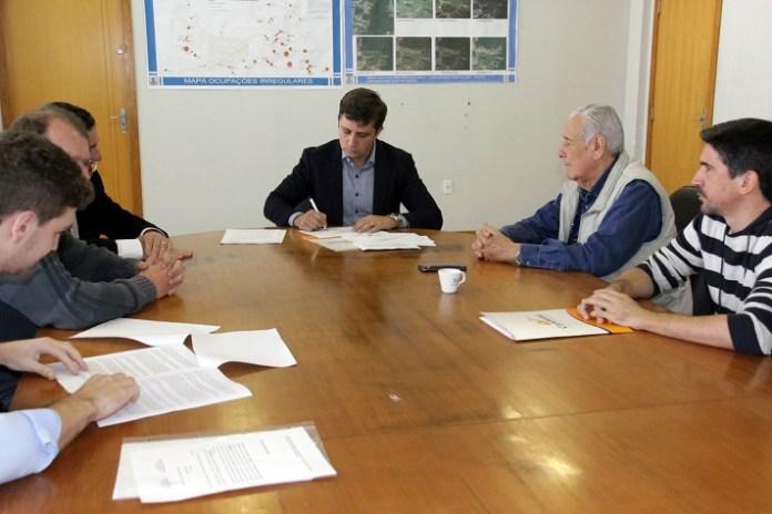 03 08 17 Assinatura acordo desapropriação 4 Avenida 4