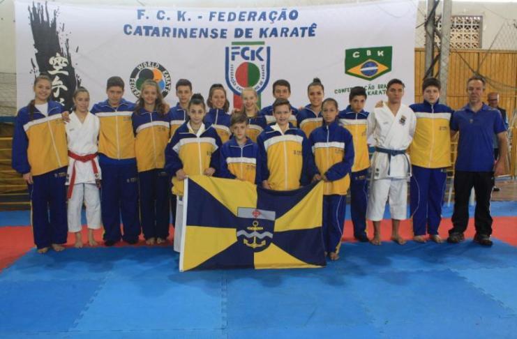 Equipe também conquistou nove medalhas em disputa válida pelo ranking Catarinense