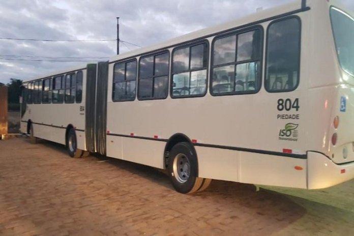 Itajaí inicia transporte inédito com ônibus articulados
