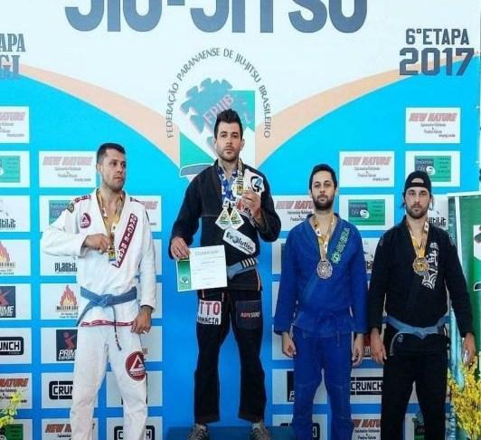 Atletas de Itajaí são destaque no Circuito Paranaense de Jiu Jitsu