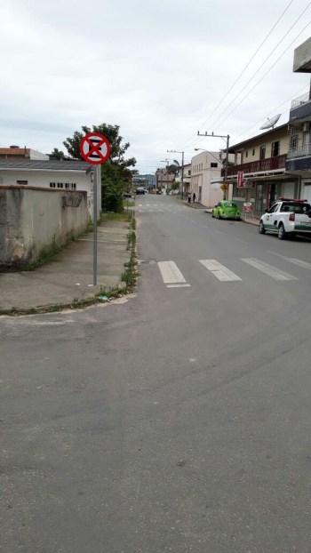 Demutran estabelece estacionamento em um dos lados da rua Monte Bandeira