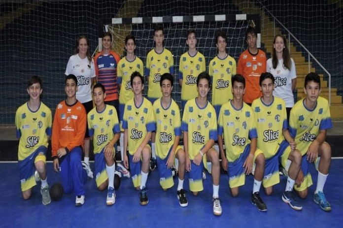 Categorias de base do handebol masculino conquistam trof%C3%A9us no Estadual e Copa SC