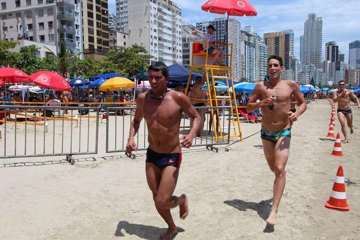 Competições marcam o dia do guarda vidas em Santa Catarina