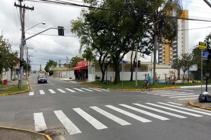 Ruas do bairro Cordeiros recebem revitalização