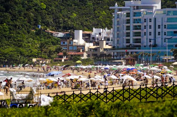 Urbanismo concede 93 licenças para temporada de verão edited