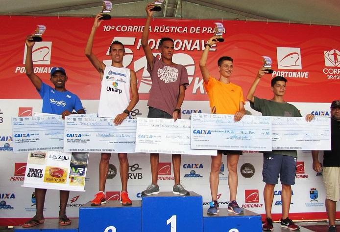 Atleta de Camboriú fica em quarto lugar durante corrida rústica
