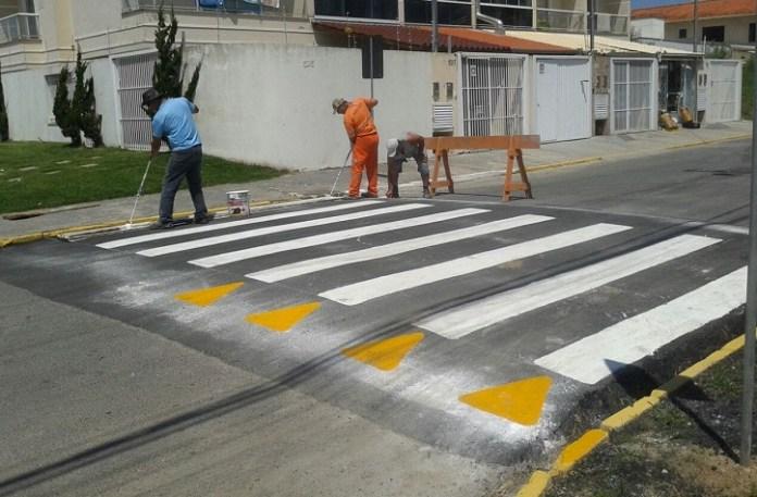 Demutram implanta faixas elevadas em quatro ruas de Camboriú