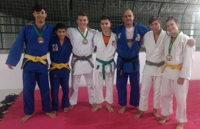 Judocas de Camboriú participam de competição estadual em Videira