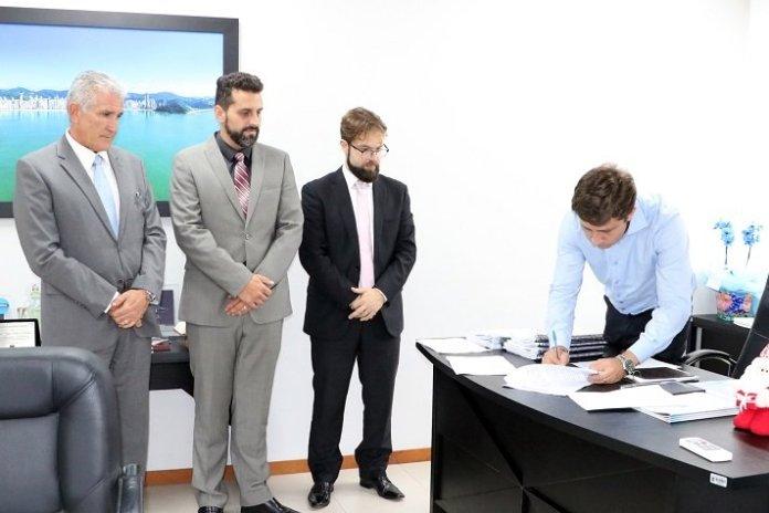 Balneário Camboriú adere ao Programa Trabalho Seguro