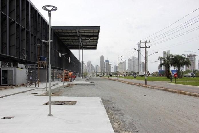 Entorno do Centro de Eventos é pavimentado