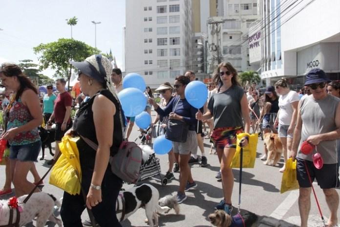Mais de 150 pessoas participaram da 4ª Cãominhada pela Vida no Trânsito