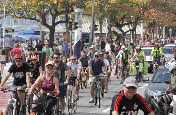 4° Passeio Ciclístico pela Segurança no Trânsito agita o centro de Balneário Camboriú