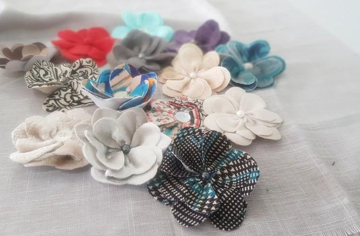 Centro de Convivência abre cursos de customização de roupas e produção de flores e