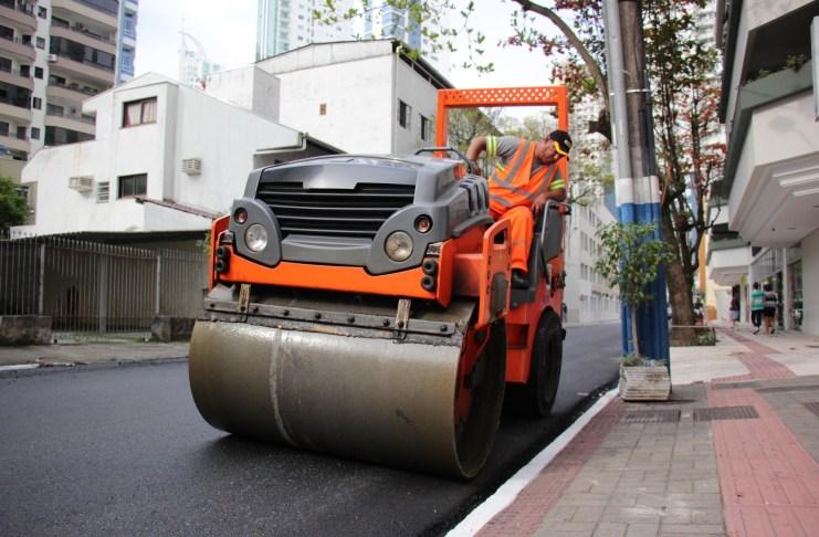 Pavimentação da Rua 951 continuará na segunda feira