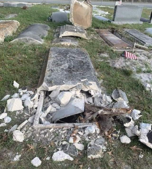 Desecrated graves in Mount Dora (Polk County Sheriff's Office)