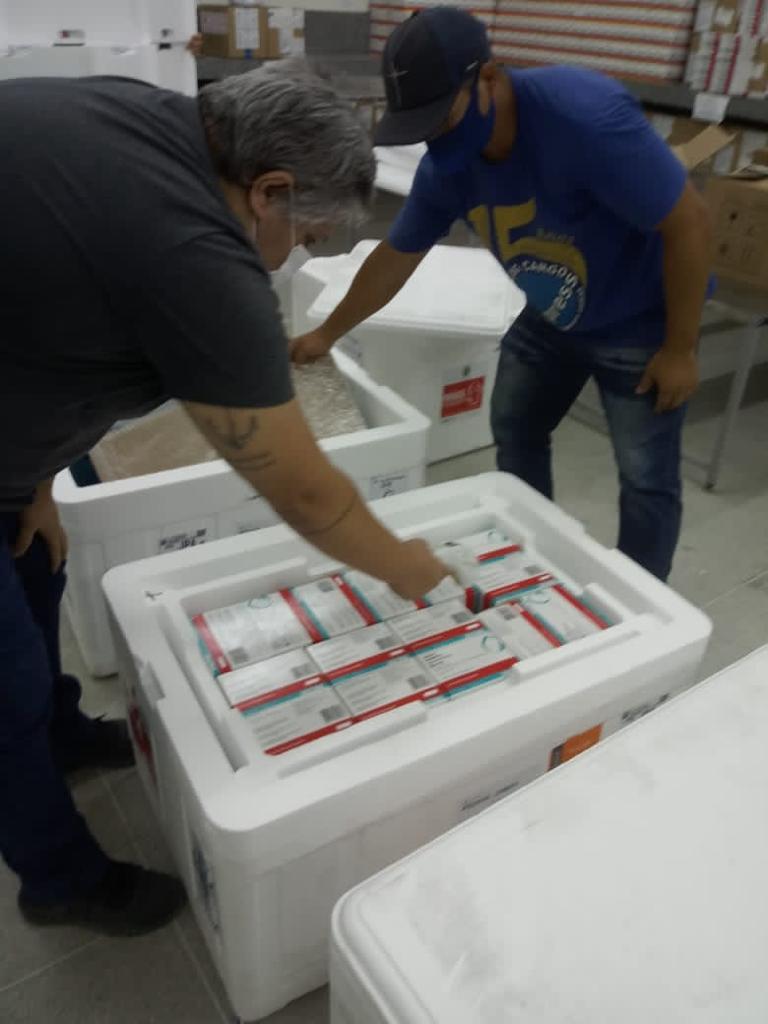 vacina_covid19_remessa_290421_paraiba_coronavac_astrazeneca2 Paraíba recebe mais 88 mil doses de vacinas contra a Covid-19 e distribuição aos municípios será feita nesta sexta-feira