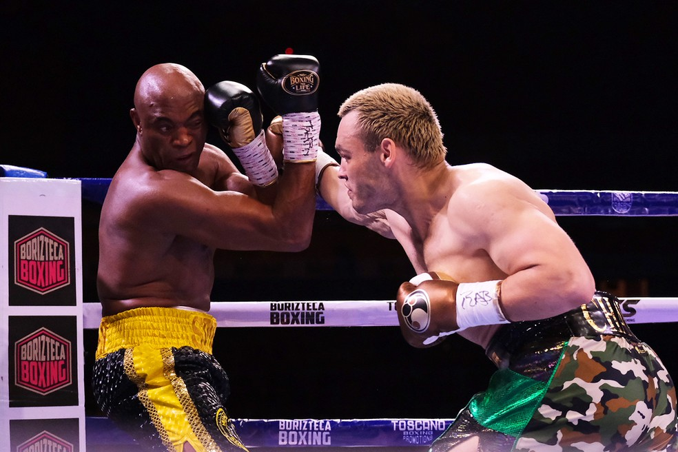 anderson Anderson Silva surpreende e vence ex-campeão mundial no seu retorno ao boxe