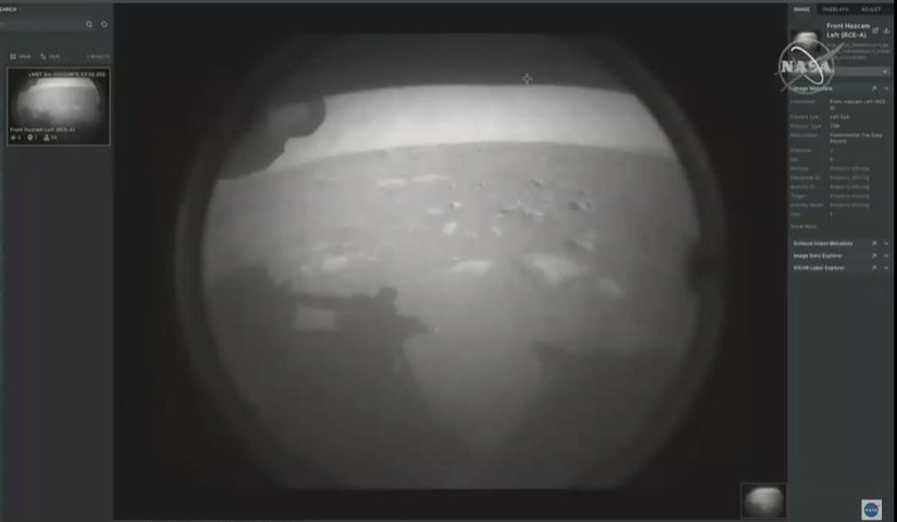 perseverance-primeiraimg Robô Perseverance envia primeiras fotos coloridas de Marte