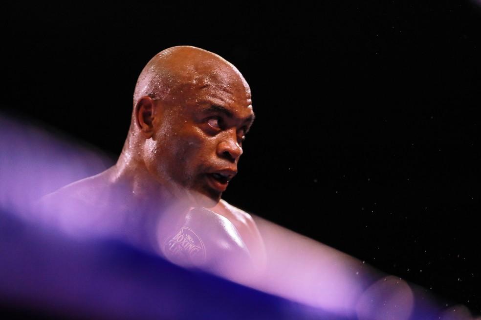 silva1 Anderson Silva surpreende e vence ex-campeão mundial no seu retorno ao boxe