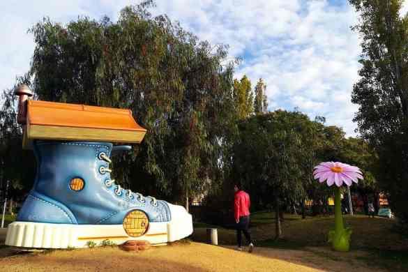 Parque Francesc Macà · Parque esculturas gigantes Barcelona