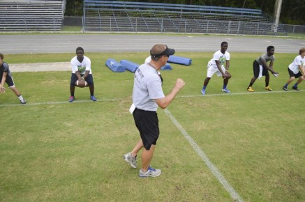 cliff_avril_2013_football_camp_7