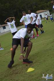 cliff_avril_2013_football_camp_100
