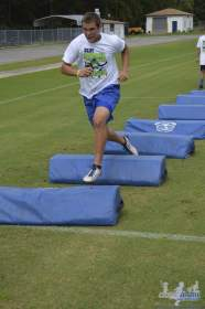cliff_avril_2013_football_camp_102