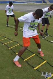 cliff_avril_2013_football_camp_110
