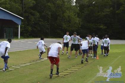 cliff_avril_2013_football_camp_136