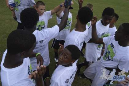 cliff_avril_2013_football_camp_148