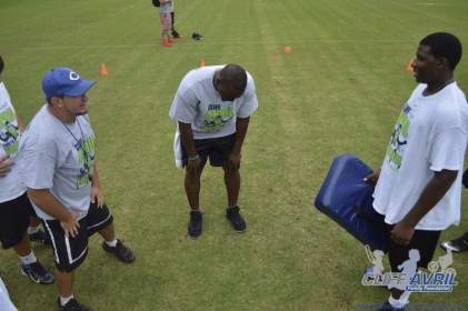 cliff_avril_2013_football_camp_33