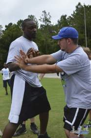 cliff_avril_2013_football_camp_49