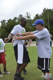 cliff_avril_2013_football_camp_51