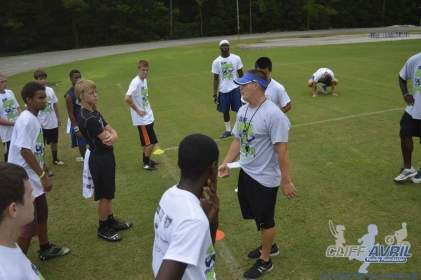cliff_avril_2013_football_camp_65