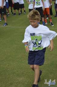 cliff_avril_2013_football_camp_70