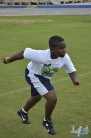 cliff_avril_2013_football_camp_87