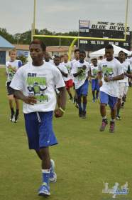 cliff_avril_2013_football_camp_93