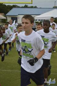 cliff_avril_2013_football_camp_94