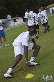 cliff_avril_2013_football_camp_97