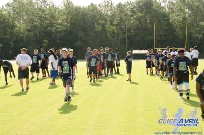 Cliff_Avril_Football_Camp_03